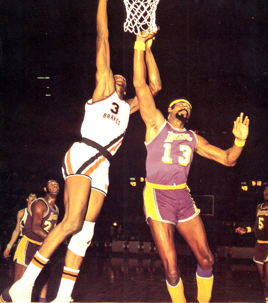 Elmore_Smith_and_Wilt_Chamberlain