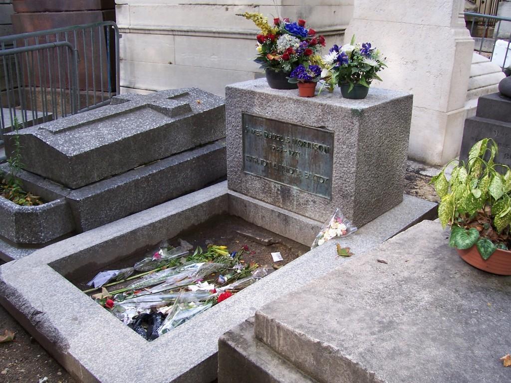 Jim-Morrison_Pere_Lachaise_2