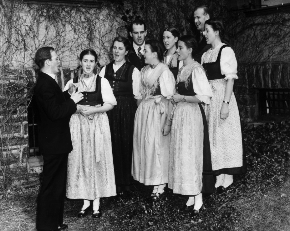 Trapp_Family_Singers_1941 (1)